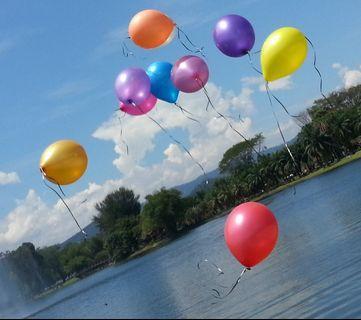 belon terbang gas helium untuk photoshoot