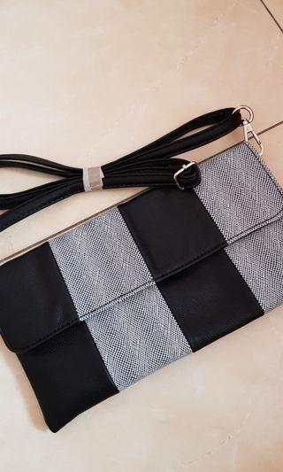 Sling bag girl black