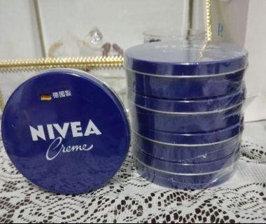 NIvea保濕面霜