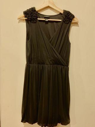 😻😻幾乎全新❤️H&M 黑色無袖包裙小洋裝 購於倫敦