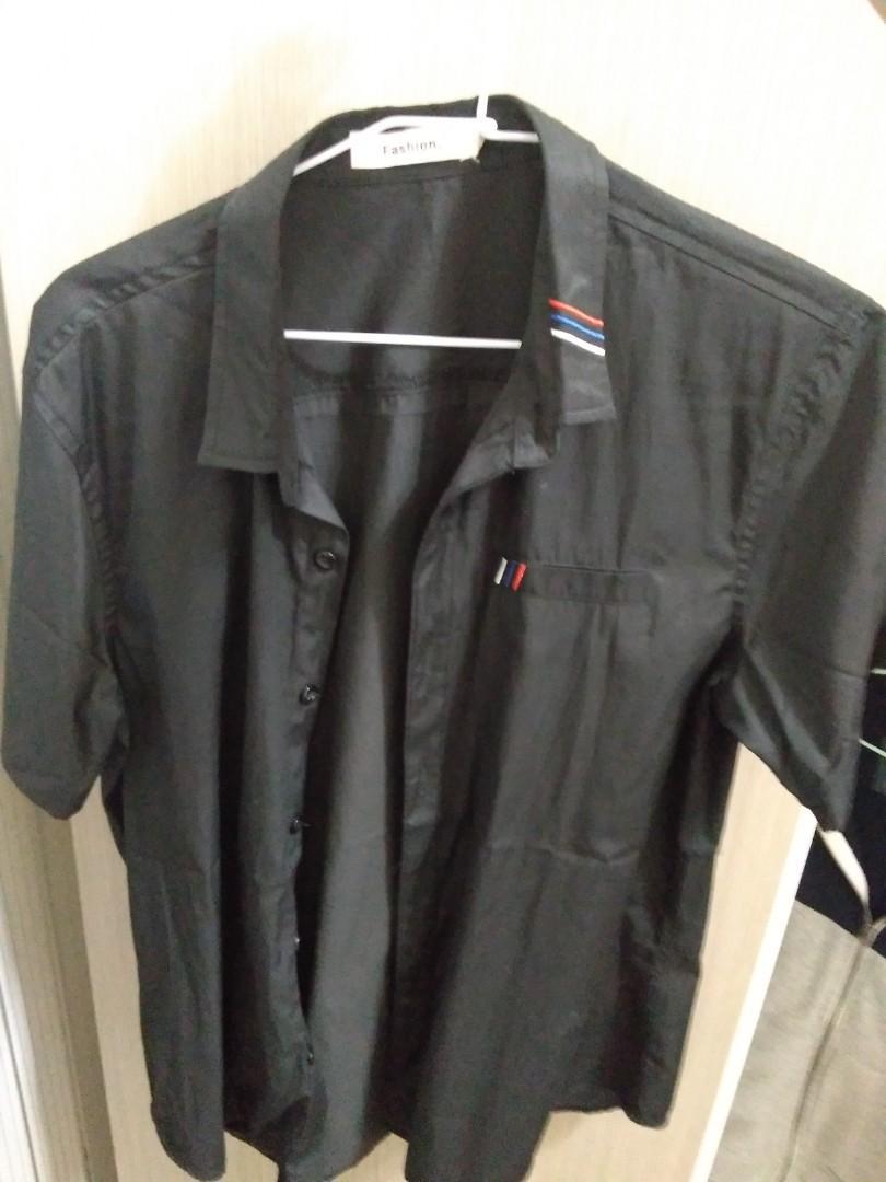 黑色短袖襯衫