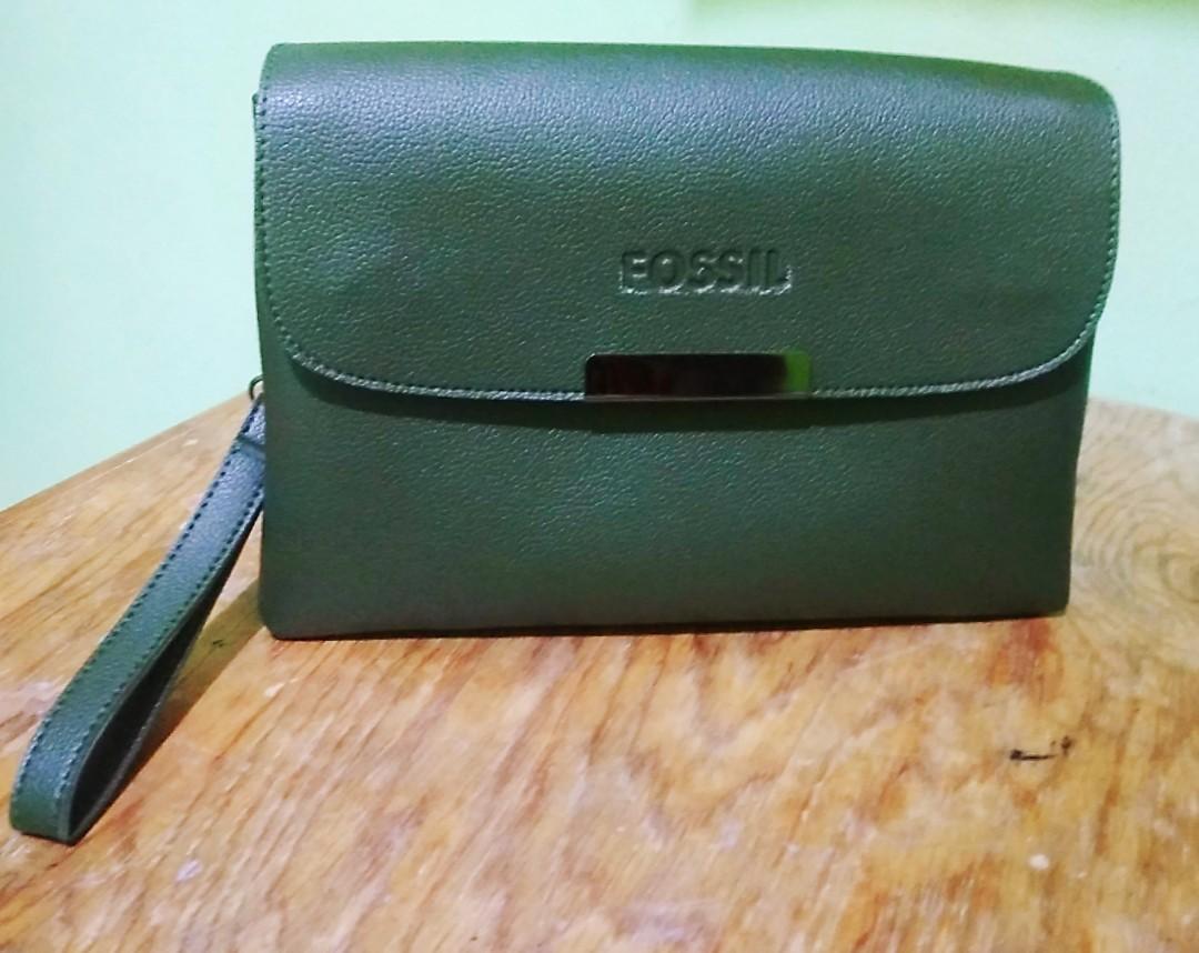 Clutch dompet merk FOSSIL Army Leather Case Bahan Kulit kondisi barang Baru