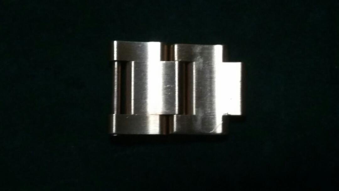 Rolex 18k solid spare links for 16628 or other model