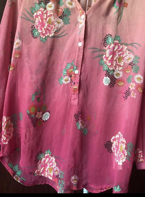 Summer Brand New Pink Floral top  Super lightweight soft and comfy