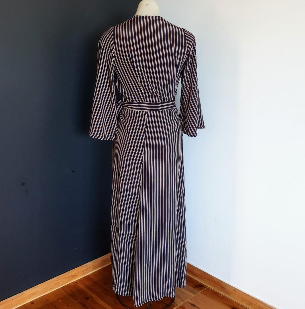 Women's size S 'FAITHFUL THE BRAND' Gorgeous navy and red striped bell sleeve wrap dress - AS NEW