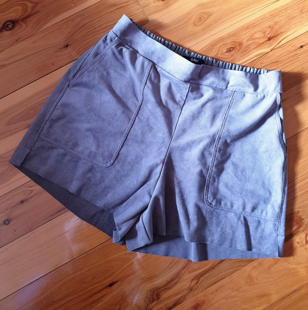 Women's size S 'SPORTSGIRL' Stunning suade feel mocha shorts with pockets- AS NEW