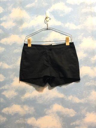 🙋上班女孩✨H&M黑色質感短褲