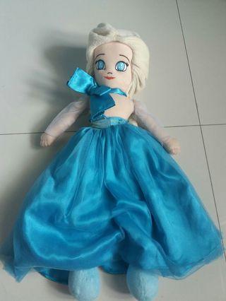 Boneka Frozen elsa
