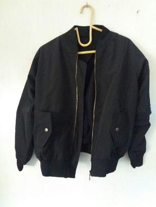 Jaket Boomber hitam