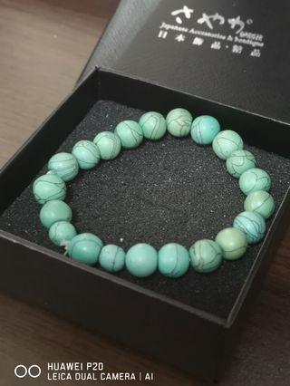 綠松石串珠和鈦磁手飾