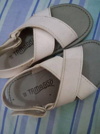 Sepatu Sendal tamago