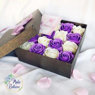 Bloombox Bunga Mawar Aroma Sabun 16 Kuntum Include Kartu Ucapan