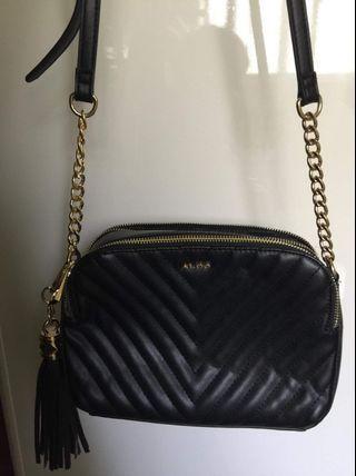 ALDO  2 ZIP SLING BAG