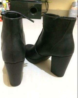 H&m boots 37