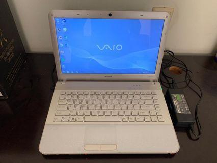 Laptop sony vaio putih bandung