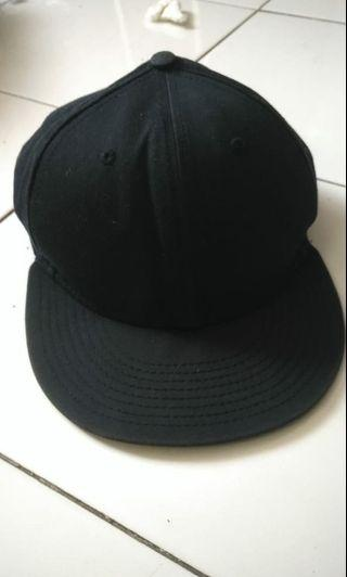 Topi Snapback New Era warna navy