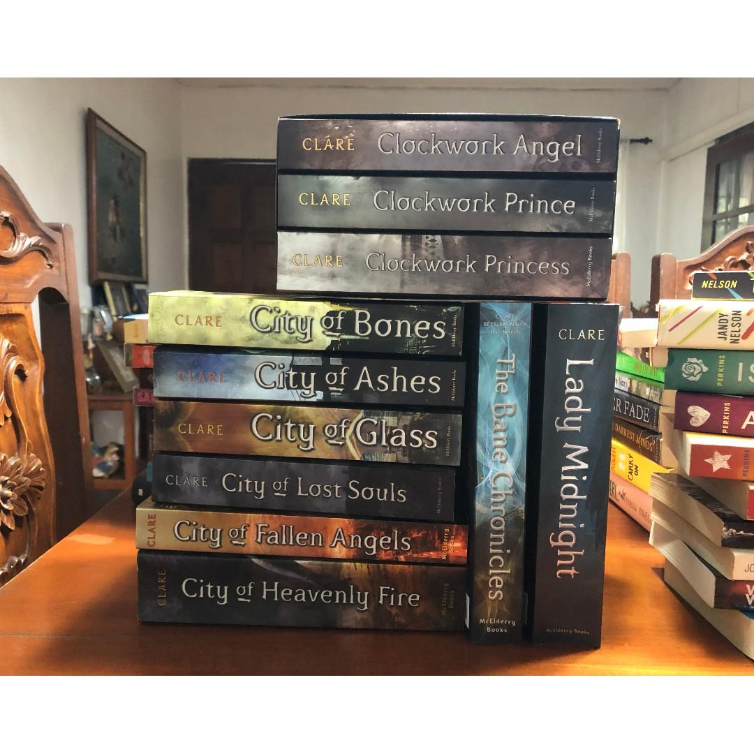 Books by Cassandra Clare (The Mortal Instruments and more!) [READ THE DESCRIPTION]