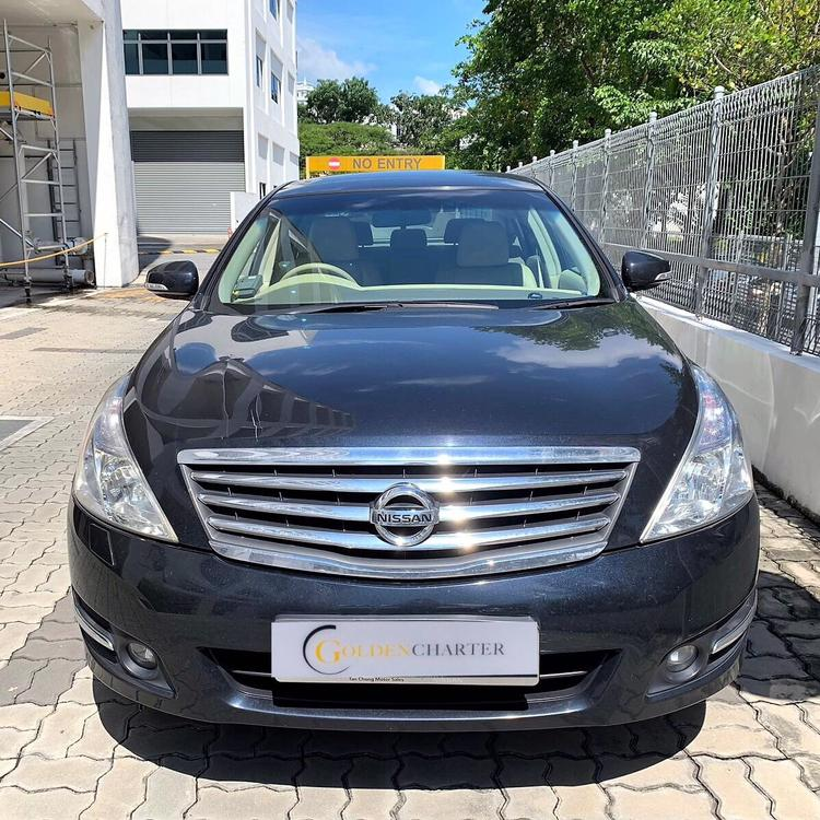 Nissan Teana 2.4 for GoJek Grab and Personal use cheap car rent