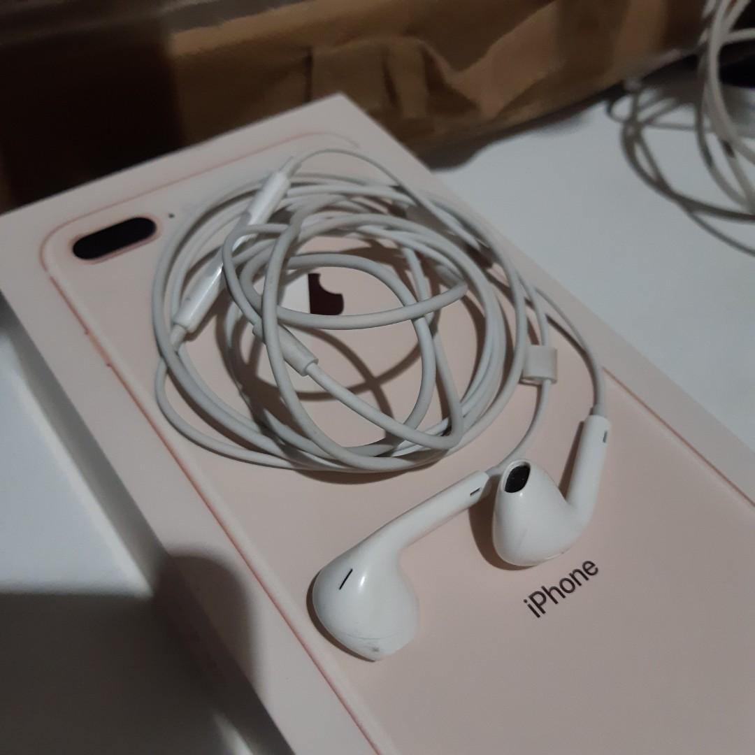 ORIGINAL Iphone 8 Plus Earphones, Audio, Earphones on Carousell