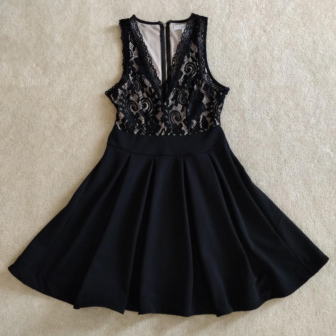 Pleated lace v-neck dress