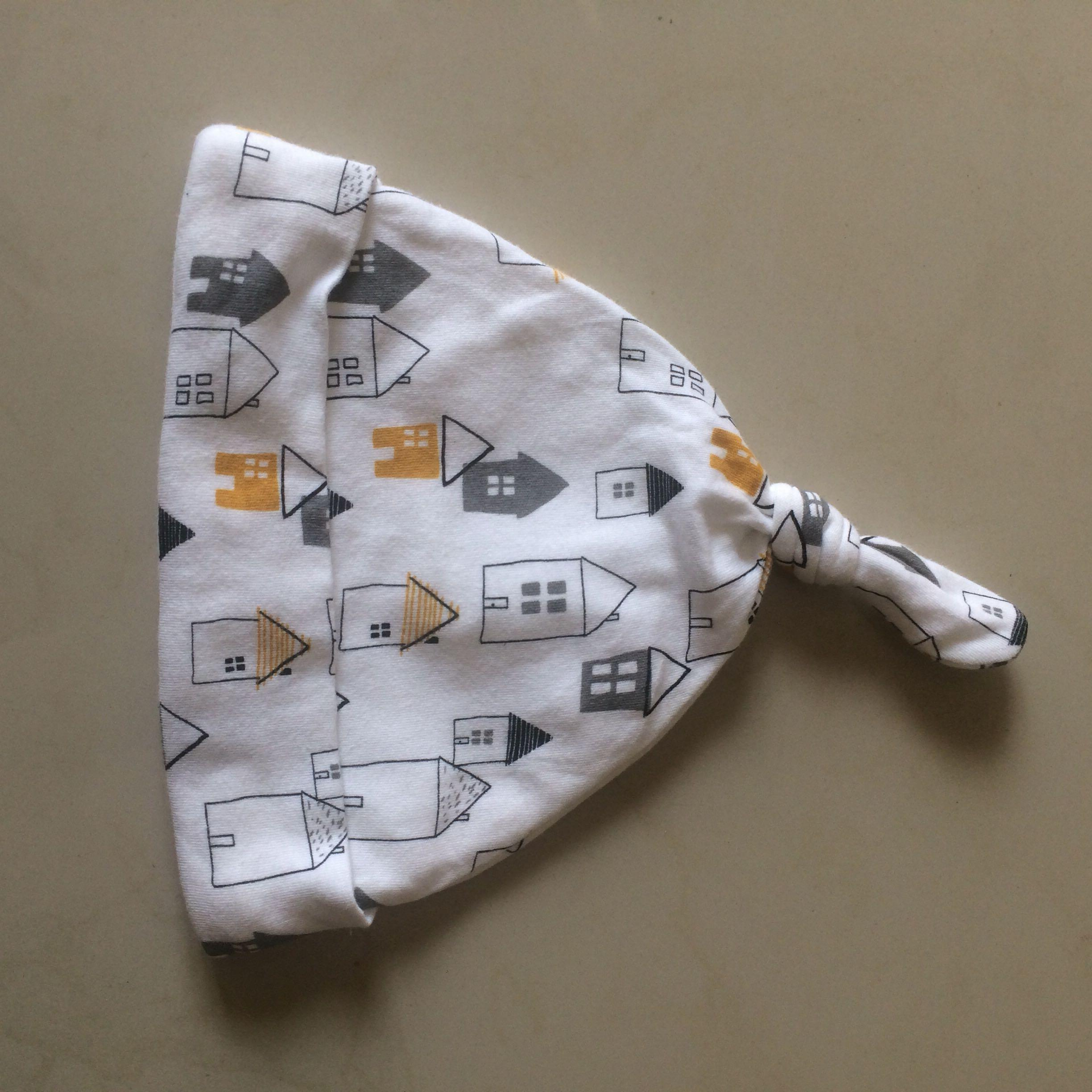 topi putih mothercare Babies & Kids Others on Carousell