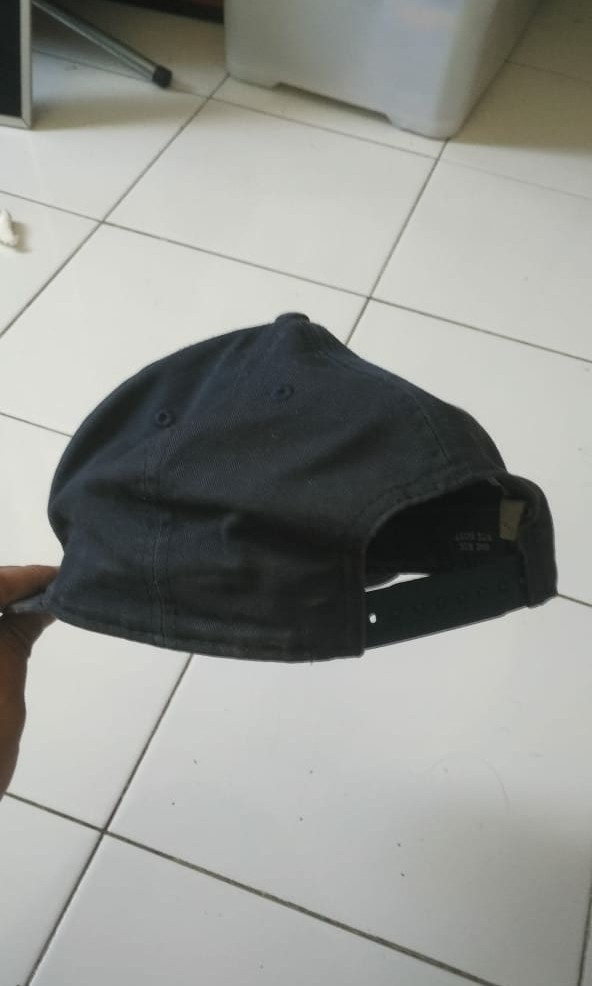 Topi Snapback New Era warna navy