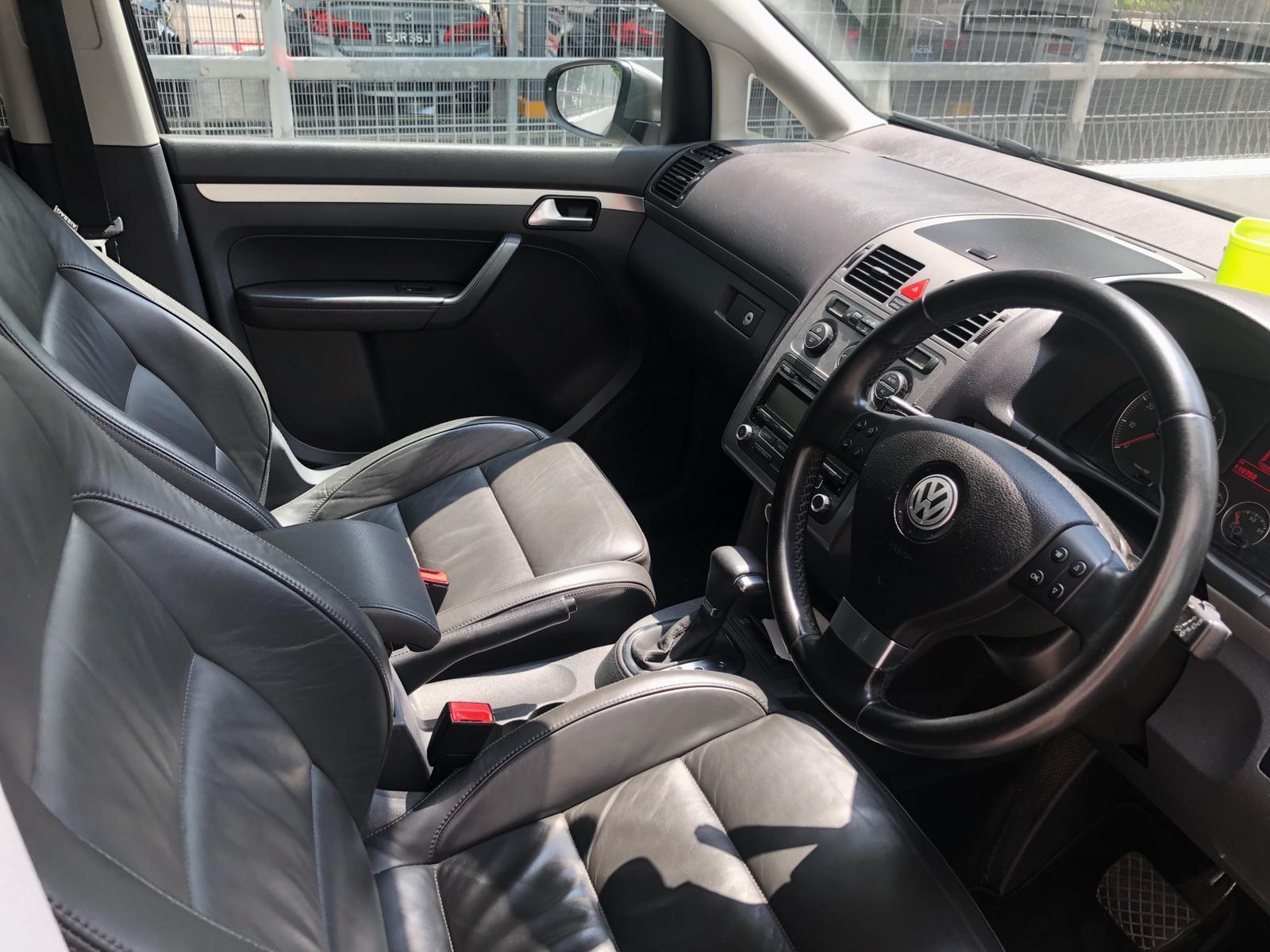 Volkswagen Touran Cheap rental Grab GoJek or Personal Use