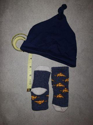 Combo mothercare baby socks + miki baby cap