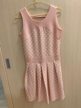 夏天洋裝,只穿一㳄,法國品牌