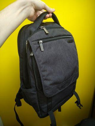 Samsonite 超時尚質感3C 背包
