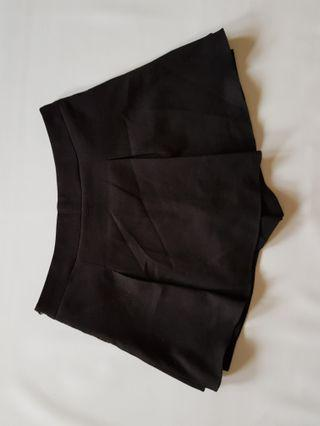 BLACK KOREAN SKORT
