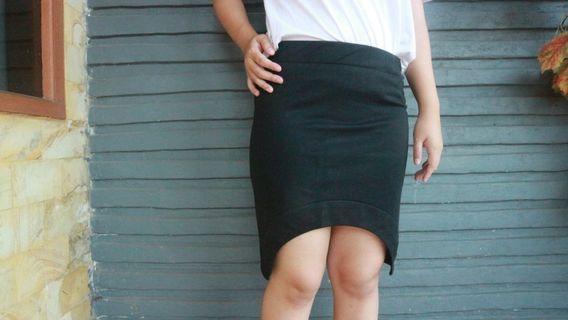 Mini Black Hilo Skirt