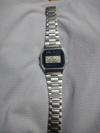 CASIO 復古款手錶