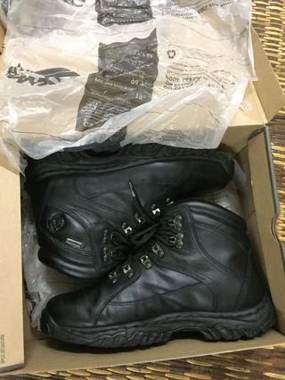 Auth. Timberland Thorton Mid GTX Hiking Boots