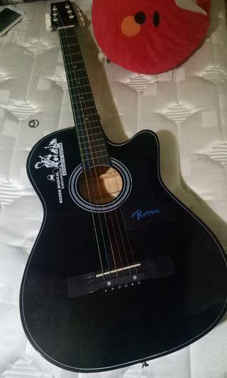 Gitar baru beli g jadi dipakek