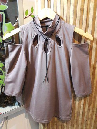 Korean top / cute blouse