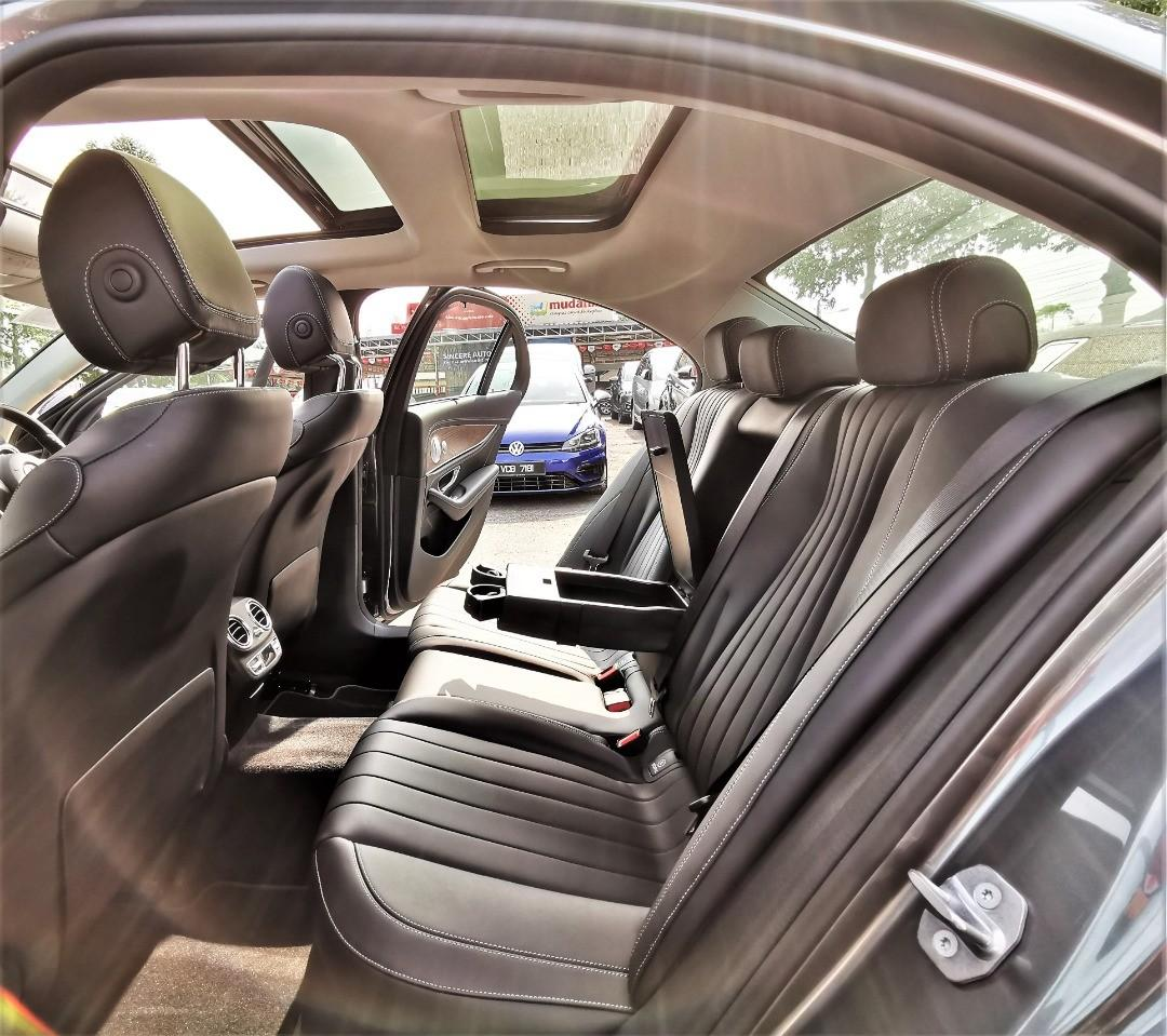 2018 Mercedes Benz S350 e 2.0 Exclusive sedan 3,000 km only under warranty full serviced record