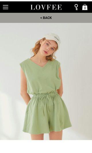 LOVFEE 綠色連身上衣 極新