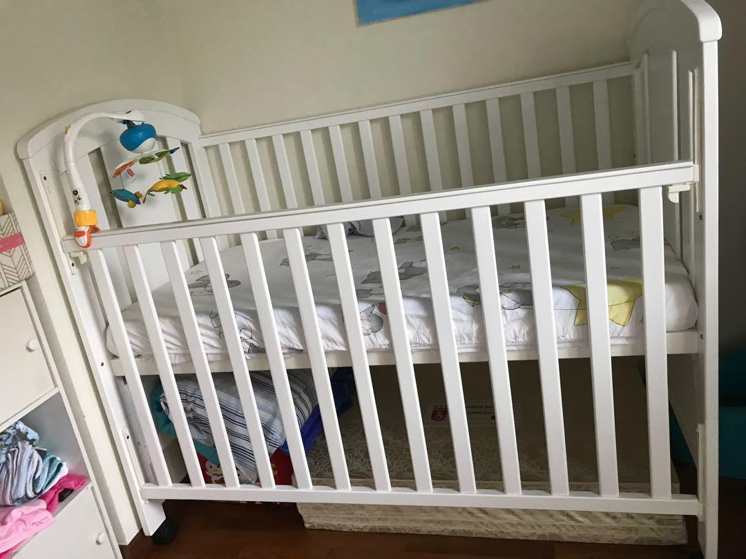 Baby Cot 4-in-1 / junior bed (with mattress)