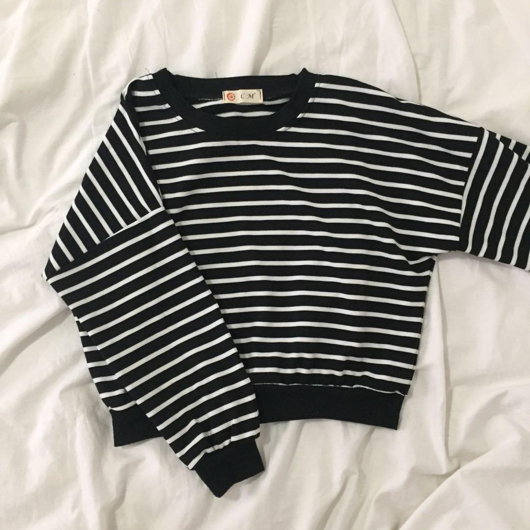 ✨Black & white striped cropped sweatshirt/sweater/long-sleeve