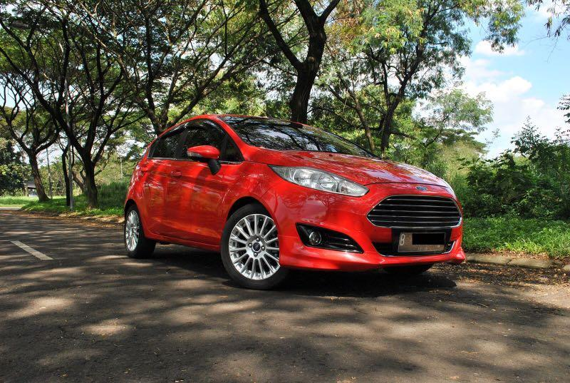 TDP 25 Juta New Ford Fiesta Ecoboost 1.0 AT 2014 Type diatas S