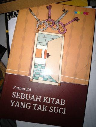 Sebuah Kitab Yang Tak Suci