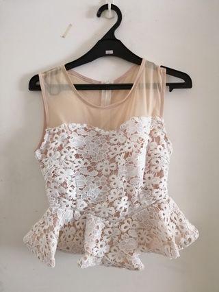 White lace 2 pieces