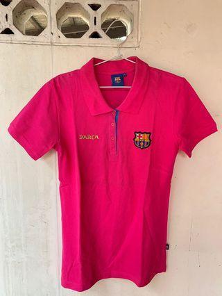 """Kaos Berkerah Wanita """"BARCA"""" warna Pink Tua."""