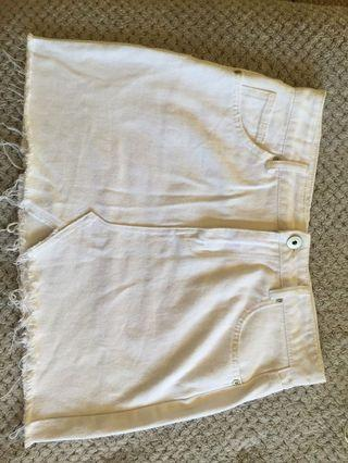 White denim skirt! Size 10