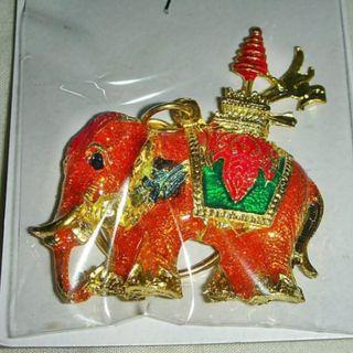 aaL皮1商旋.全新附袋泰國製鍍金合金浮雕大象吊飾!!--值得收藏(一)!/@@左/-P