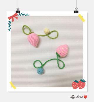 Strawberry Bookmark Crochet (1 set of 2 ) 🍓