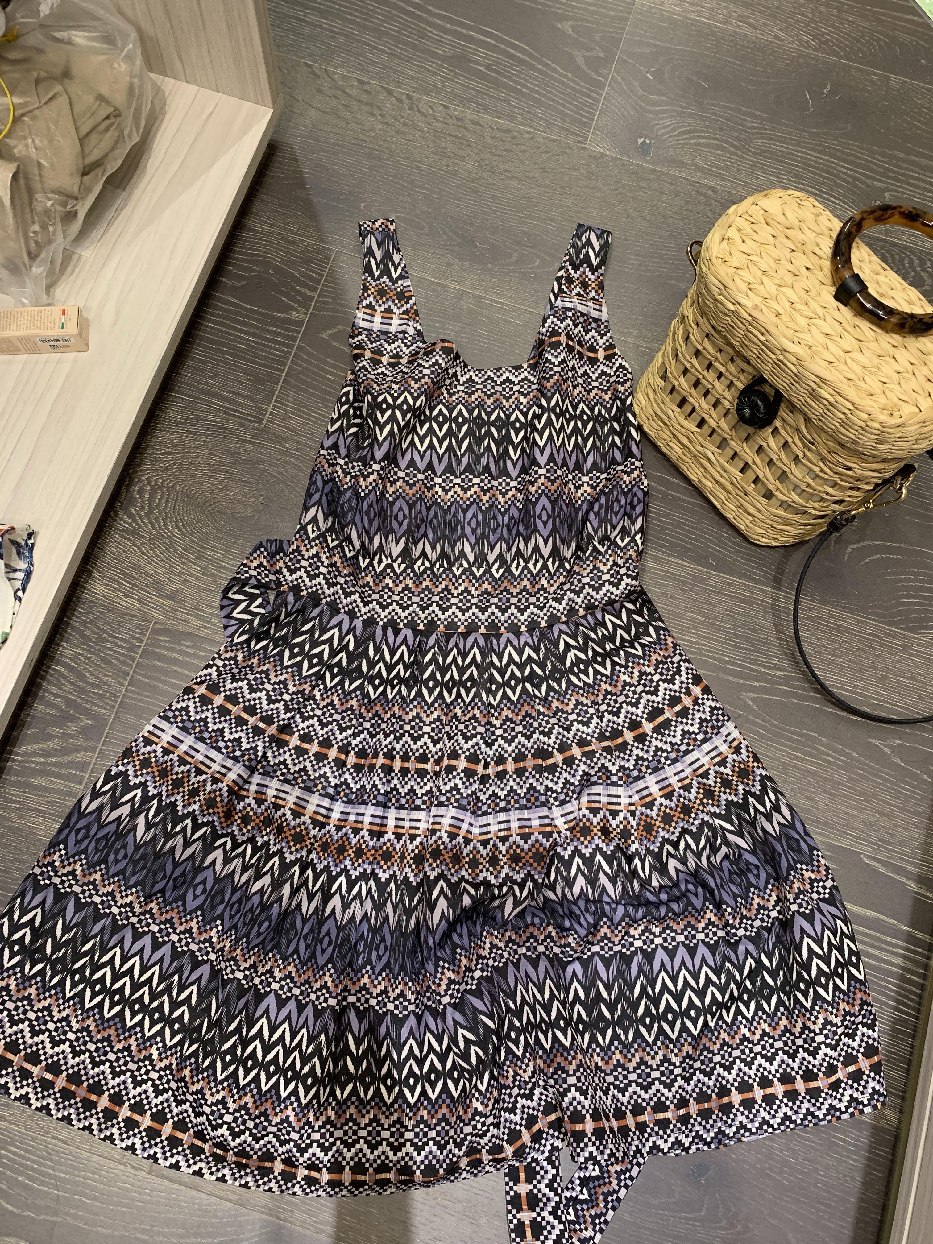 圖騰短洋裝
