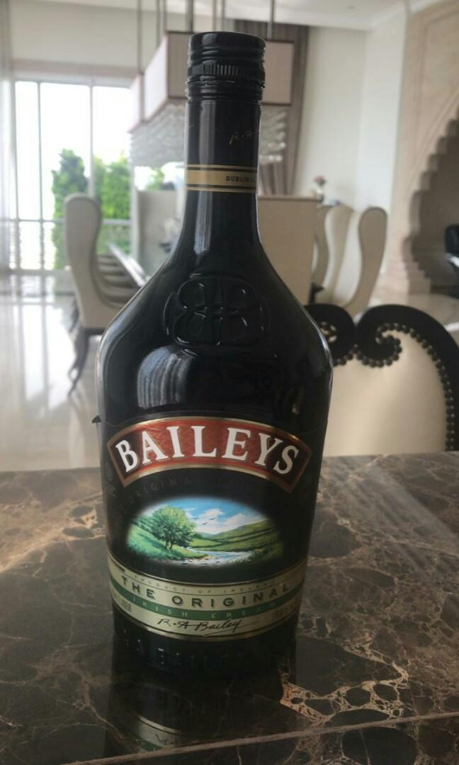 Botol kosong Baileys