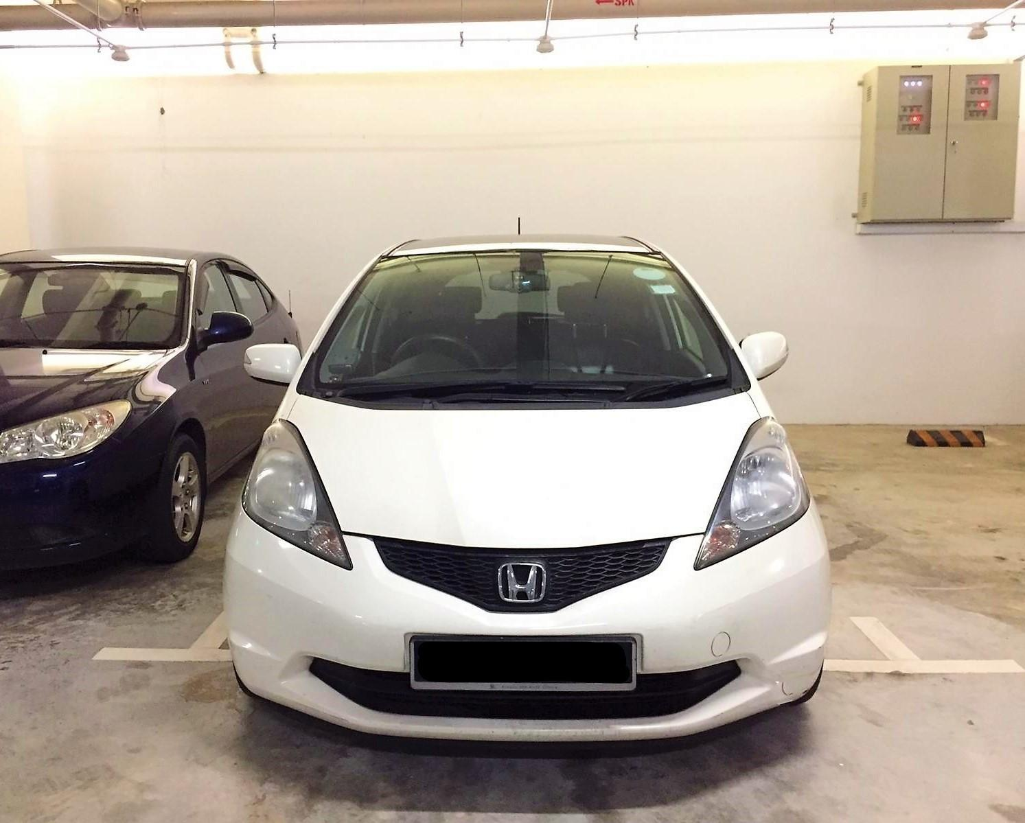 Honda Fit 1.3A CHEAPEST Rental GoJek Grab or Personal use